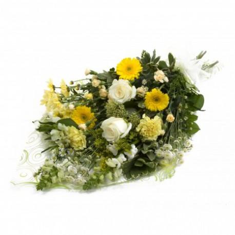 Traditional presentation bouquet